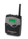 Der Taschensender SK 2020-D mit Kopfbügelmikrofon-oder alternative Handsender SKM2020 für die führende Person